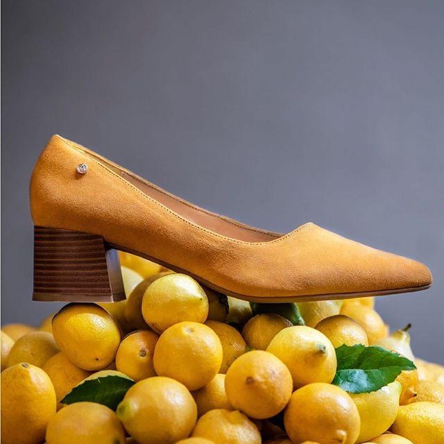 stilettos bajos amarillos verano 2020 Amphora