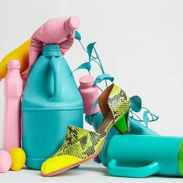 zapatos reptil fluor verano 2020 Jessica Kessel