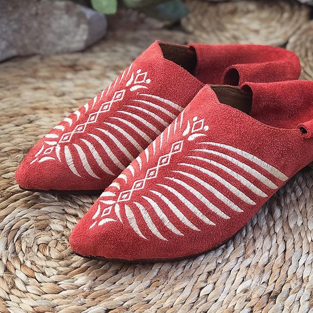 mules de gamuza bordados verano 2020 Marignan Shoes