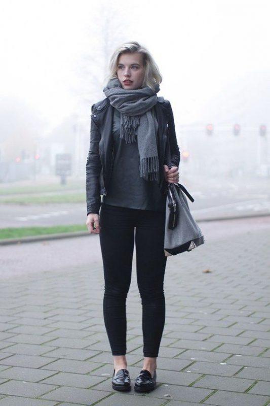 outfit informal leggings y mocasines