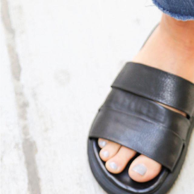 sandalias negras multiples tiras Rauch Zapatos verano 2020