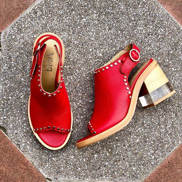 sandalias rojas primavera verano 2020 Tomas Cane