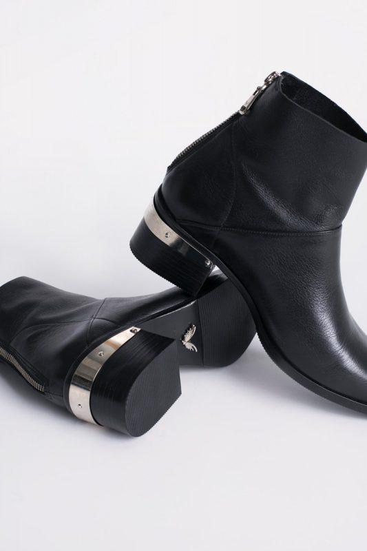 botitas negras de cuero invierno 2020 Calzados Rapsodia