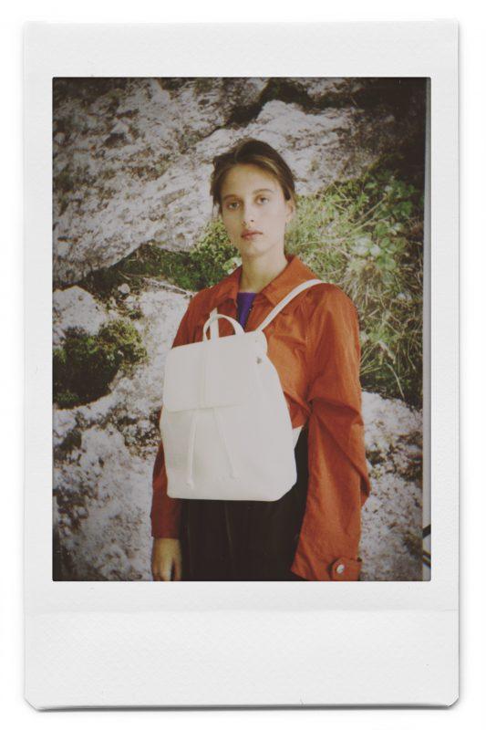 mochila de cuero blanca invierno 2020 Mishka