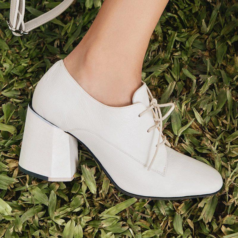 zapatos abotinados con taco para mujer invierno 2020 Mishka