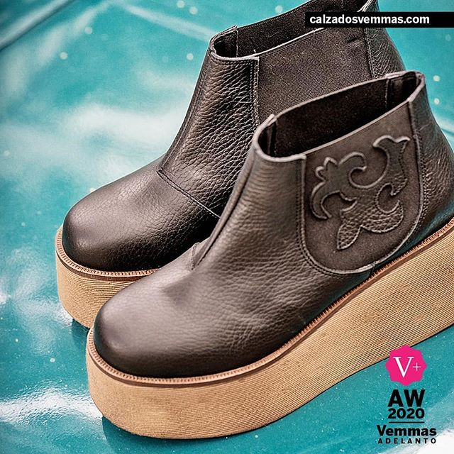 Botas de cuero con base alta invierno 2020 Calzado Vemmas