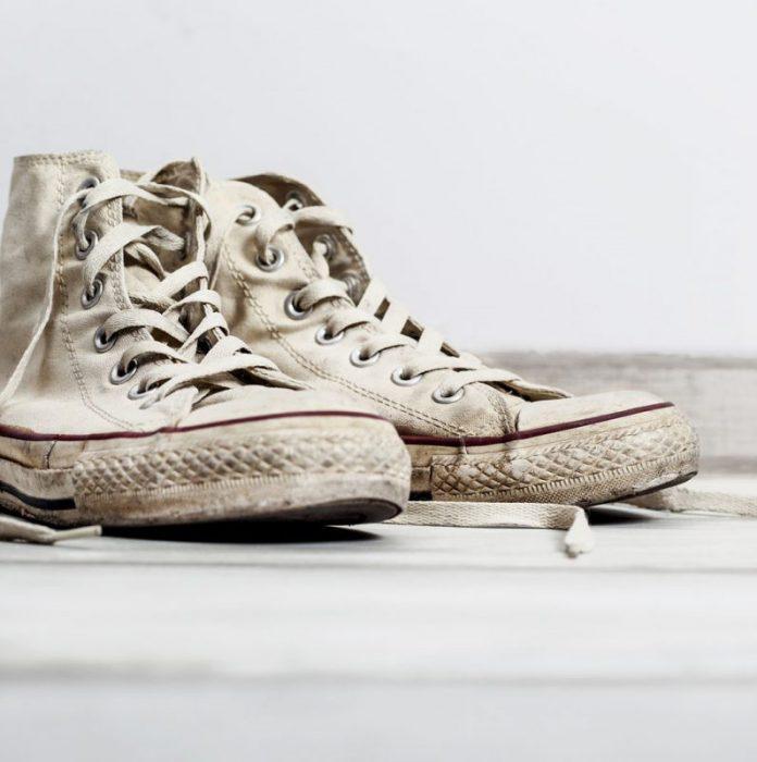 limpiar zapatillas blancas sucias