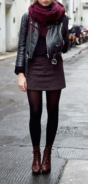 minifalda de corderoy con borcegos