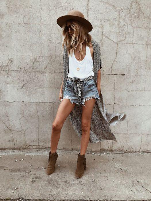 outfits con short y botas