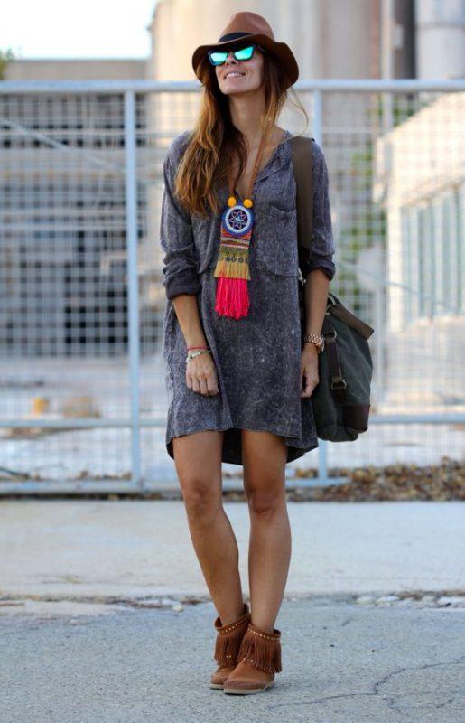 vestido corto mangas largas con botitas marrones