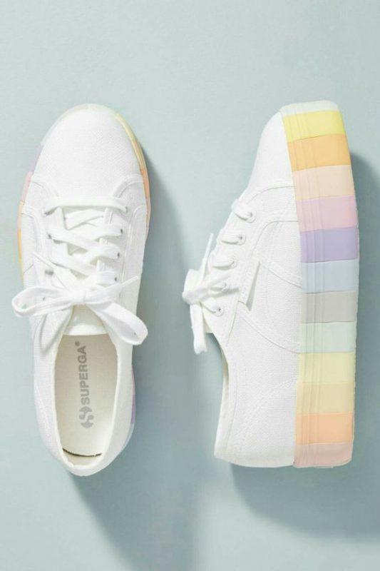 zapatillas de lona blanca con suela alta multicolor