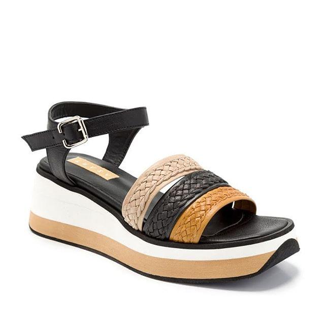 Sandalias suela de goma con triras trenzadas verano 2021 Cazlados Traza