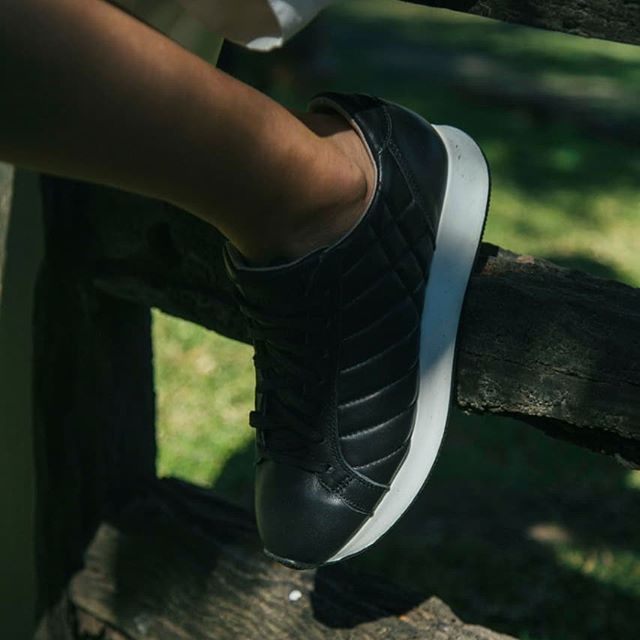 Zapatillas negras mujer verano 2021 Prune