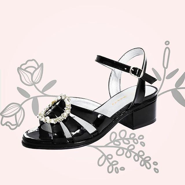 sandalias negras de charol verano 2021 Stella Maris