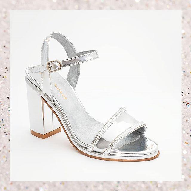 sandalias para noche plateada verano 2021 Stella Maris
