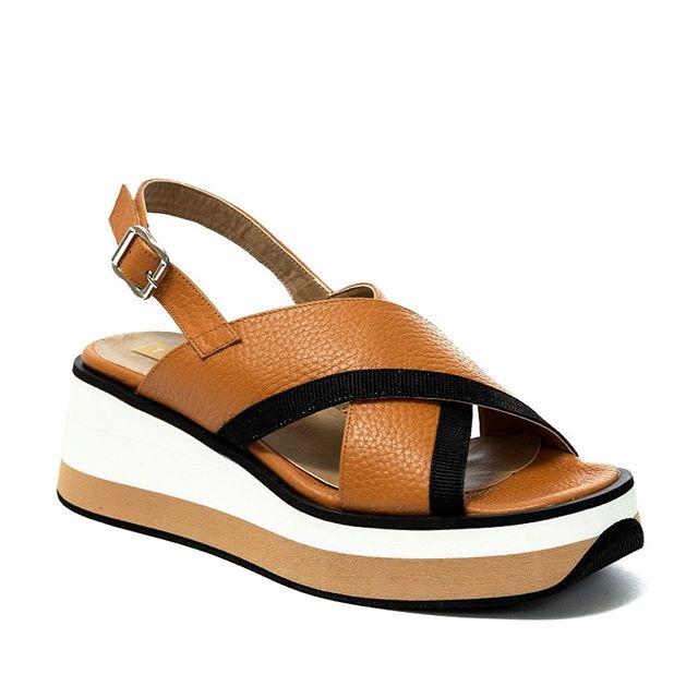 sandalias trira cruzadas verano 2021 Cazlados Traza