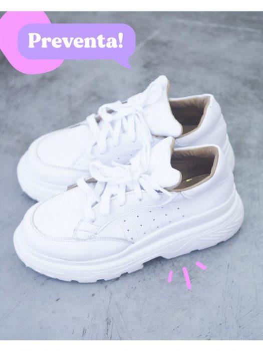 zapatillas blancas juveniles verano 2021 Sofia de Grecia