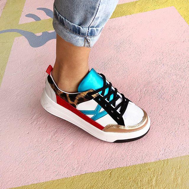 zapatillas con mix de estampas y texturas verano 2021 Kate Kuba