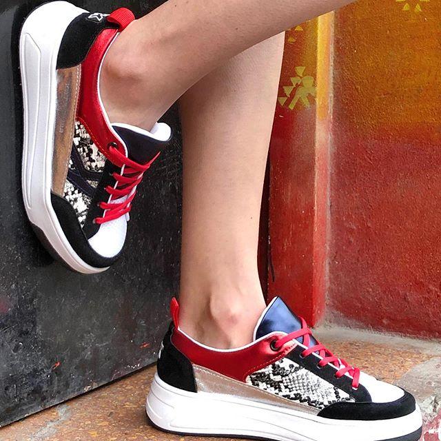 zapatillas mix de texturas verano 2021 Kate Kuba