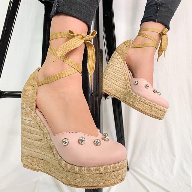 zapatos con taco cuna de yute primavera verano 2021 Lucia Diaz