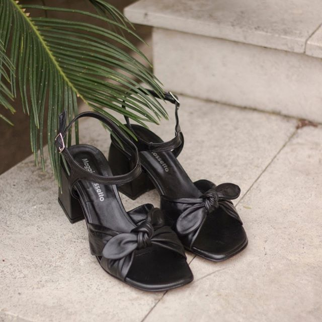 sandalias negras de cuero taco medio verano 2021 Maggio Rossetto