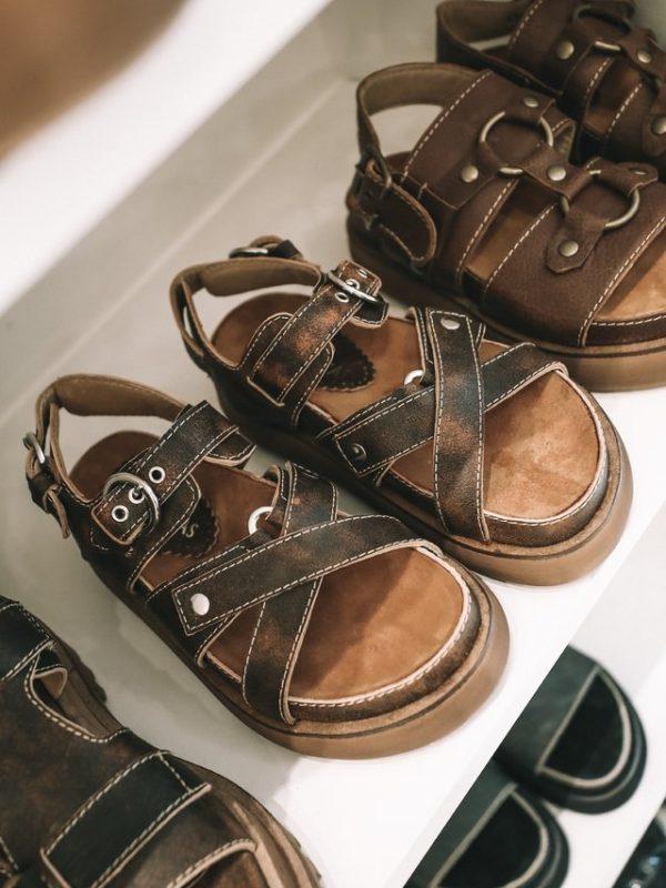 sandalias planas de cuero verano 2021 Las Motas