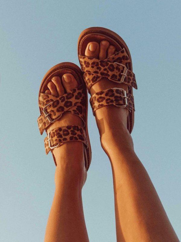 sandalias planas leopardo verano 2021 Las Motas