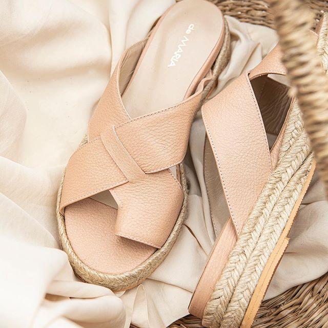sandalias planas rosa claro verano 2021 De Maria Calzados