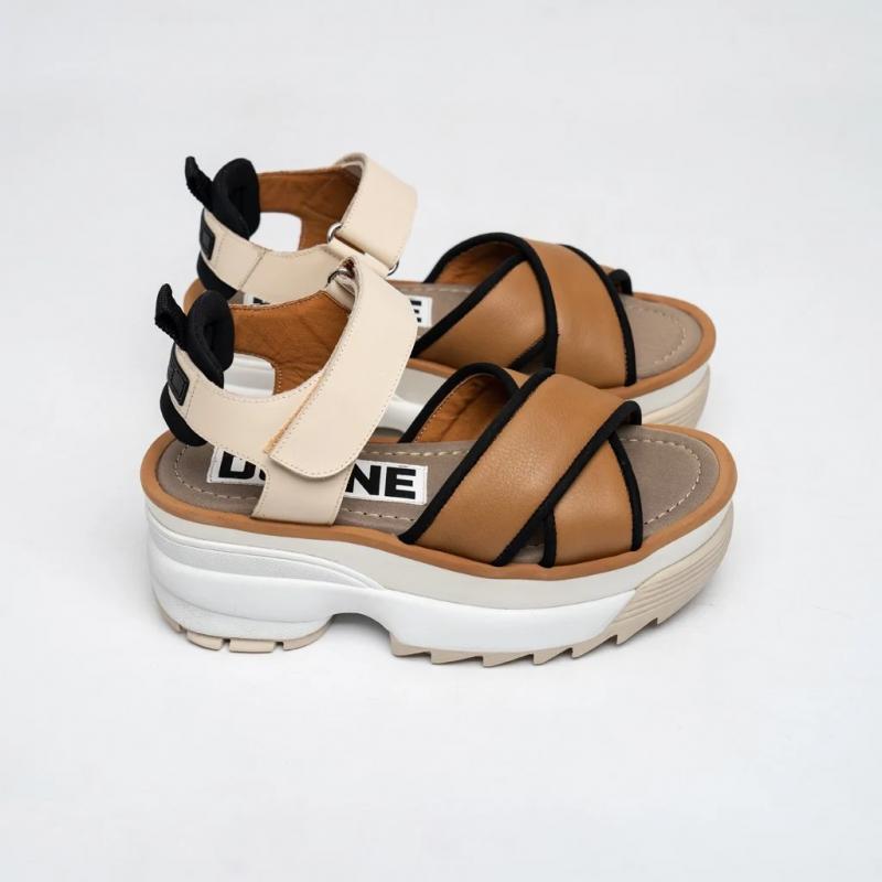 sandalias tonos marrones Verano 2021 Donne 1