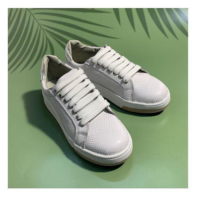 zapatillas blancas croco primavera verano 2021 Calzados Tops