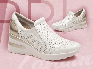 zapatillas blancas y doradas verano 2021 Cavatini