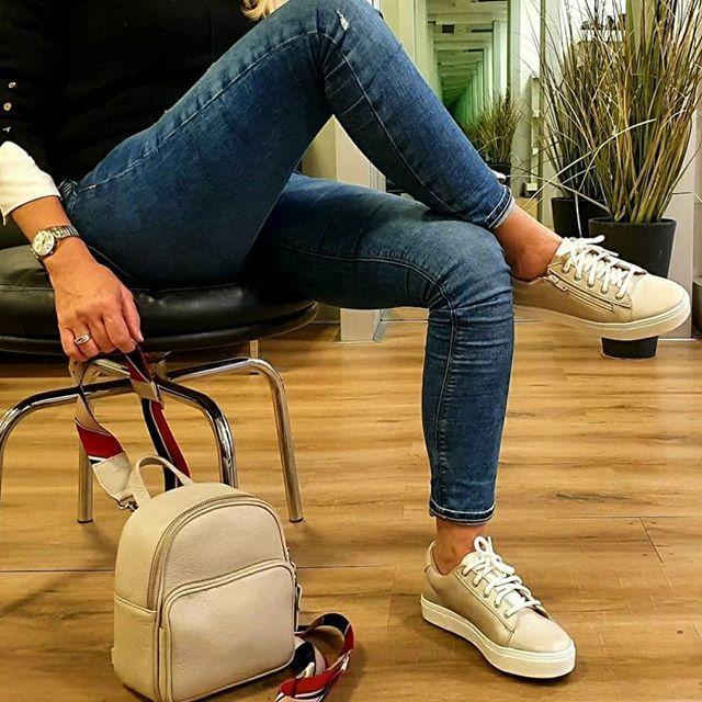 zapatillas doradas verano 2021 Oggi