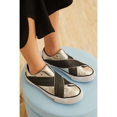 zapatillas plateadas verano 2021 Justa Osadia