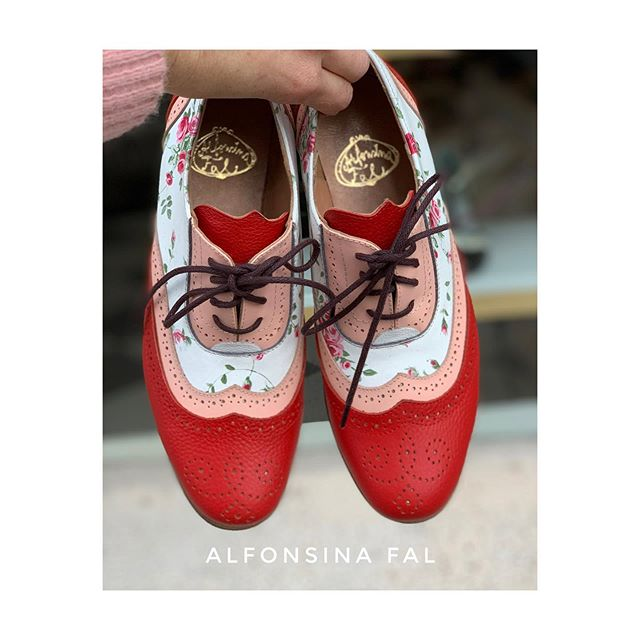 zapatos blancos y rojos primavera verano 2021 Alfonsina Fal