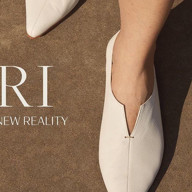 zapatos planos blancos verano 2021 De Maria Calzados