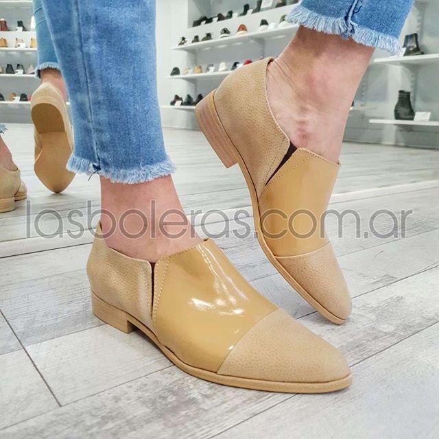 zapatos planos mostaza verano 2021 Las Boleras