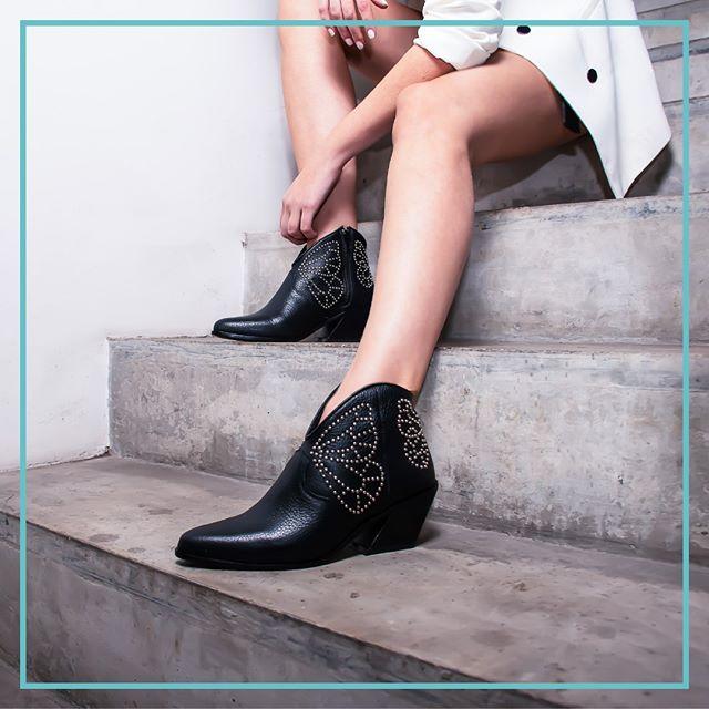 botitas negras verano 2021 Natacha calzados