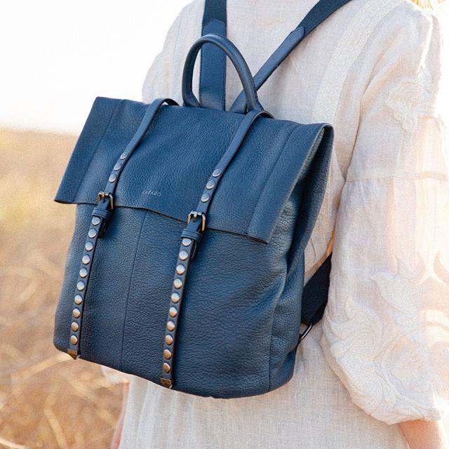 mochila azul para mujer verano 2021 Lazaro