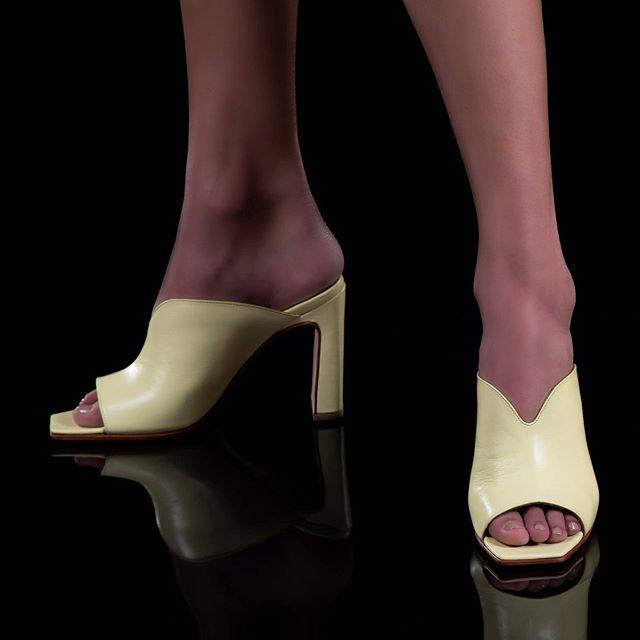 sandalias amarillas verano 2021 Saverio di Ricci