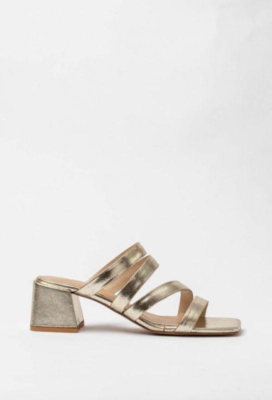 sandalias doradas verano 2021 Sofi Martire