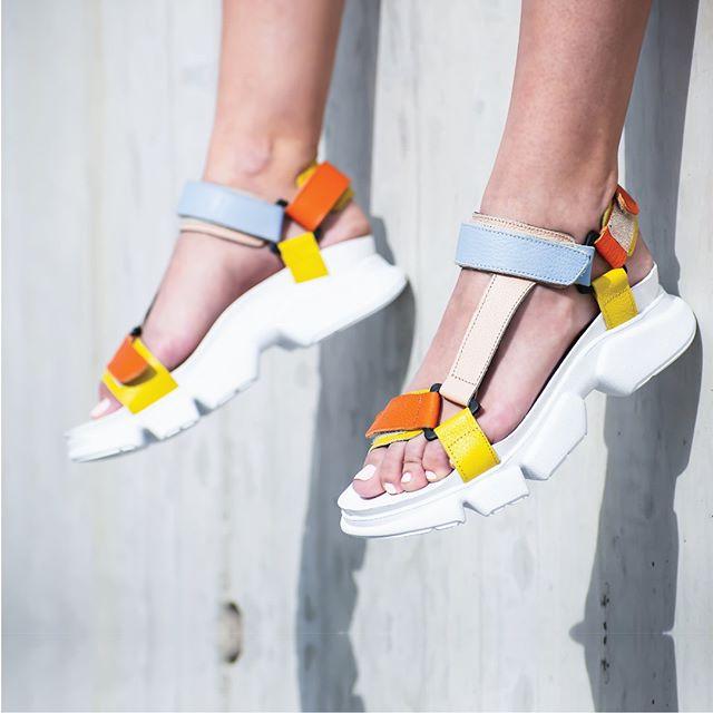 sandalias planas con velcro mujer verano 2021 Natacha calzados