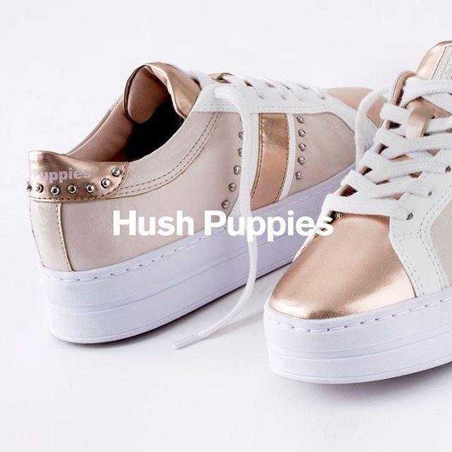 zapatillas blancas y metalizadas verano 2021 Hush Puppies