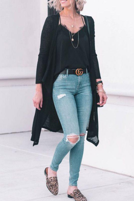 Jeans ajustados con mocasines