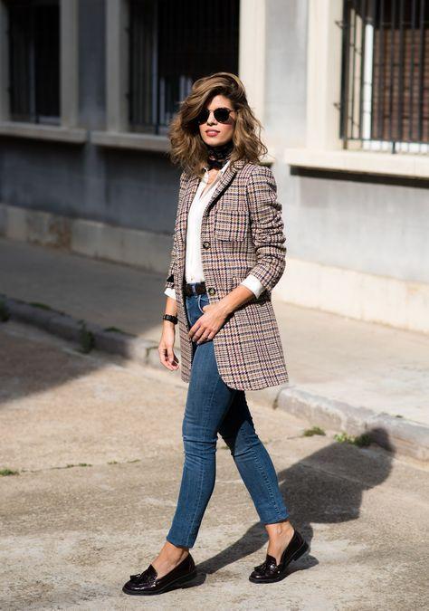 Outfits de mujer con mocasines y jeans para oficina