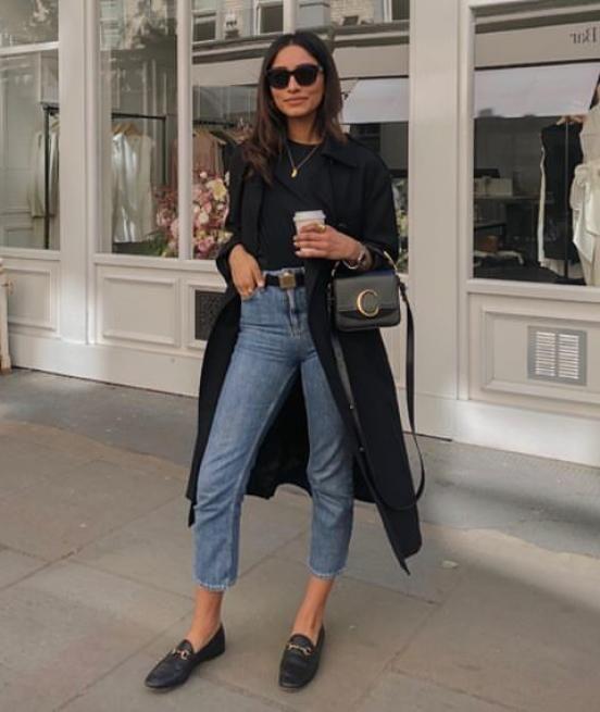 Outfits de mujer con mocasines y jeans recortado