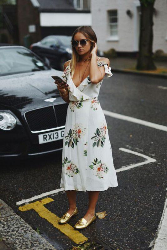 Outfits de mujer con mocasines y vestido de verano