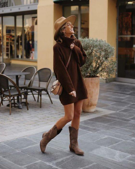 botas texanas con vestido tejido