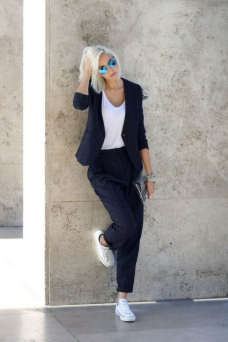 look para ir a trabajar formal en zapatillas