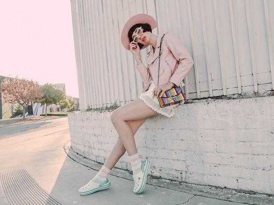 outfit juvenil con corcos con medias