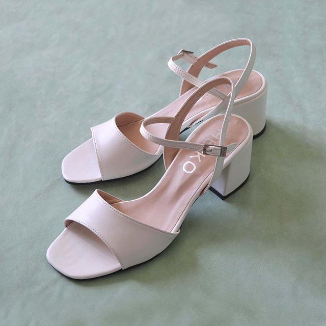 sandalias blancas taco medio verano 2021 Heiko